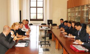 Verwaltung staatlichen Eigentums und KMU-Förderung: Führungskräfte aus Russland und Kasachstan besuchen Rom